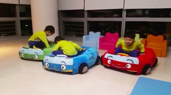Song Triplets Have Fun With New Toys in Song Il Gook's Instagram Video