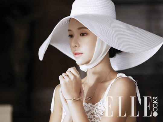 Hwang Jung Eum Transforms Into a Beautiful Bride Just in Time for Her Wedding