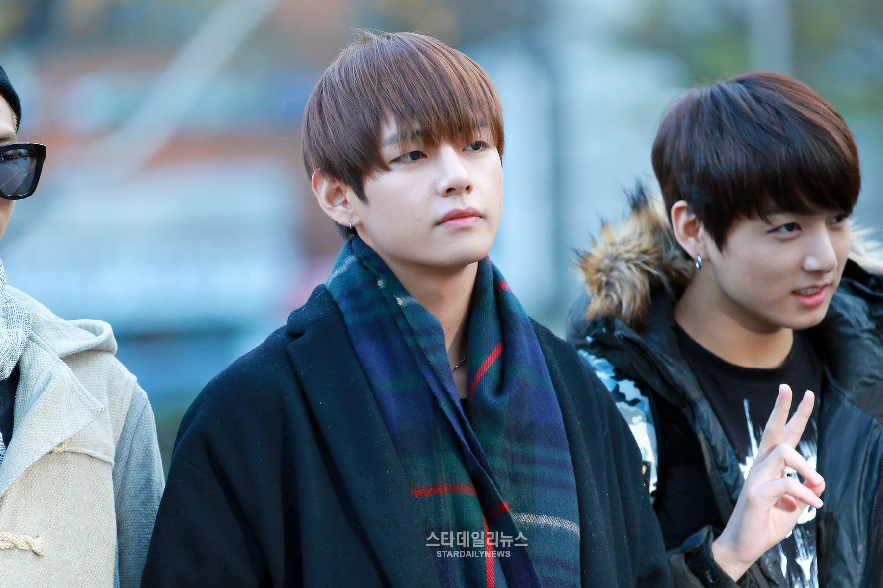 Update: BTS Member V Confirmed to Join Park Seo Joon and Go Ara in Historical Drama