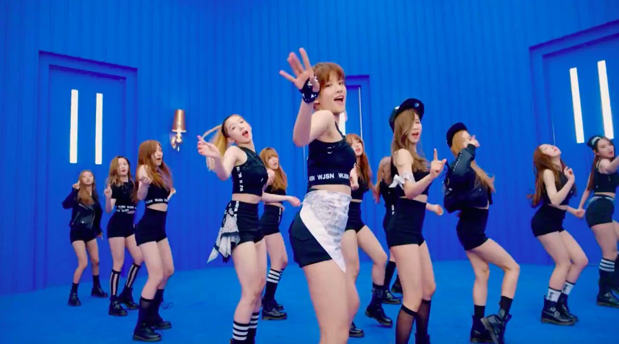 """Cosmic Girls Shares Teaser for """"Catch Me"""" Music Video"""