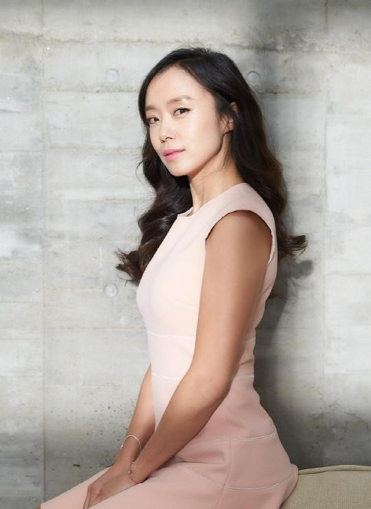 "Jeon Do Yeon Confirmed To Make Her Drama Comeback With Korean Remake of ""The Good Wife"""