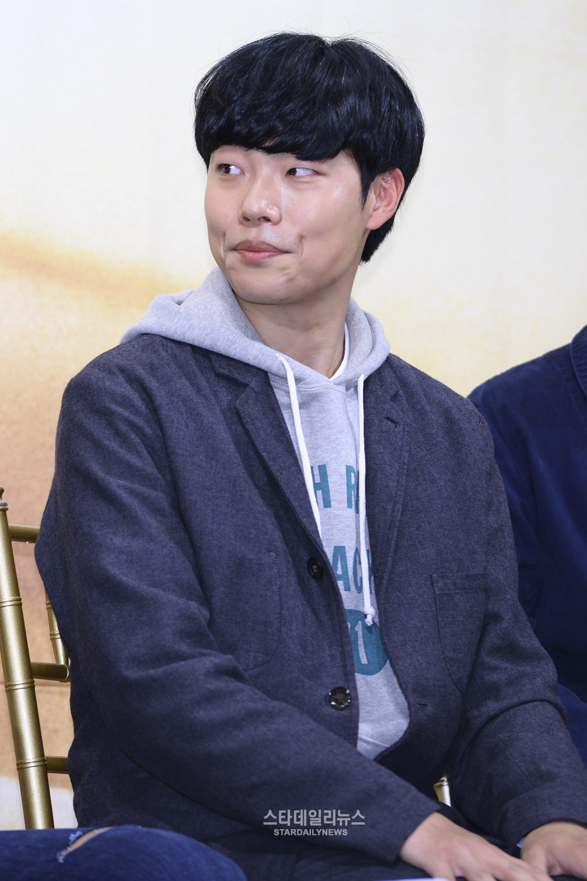 """Ryu Jun Yeol Addresses Suspicions of His Use of the Infamous Site """"Ilbe"""""""