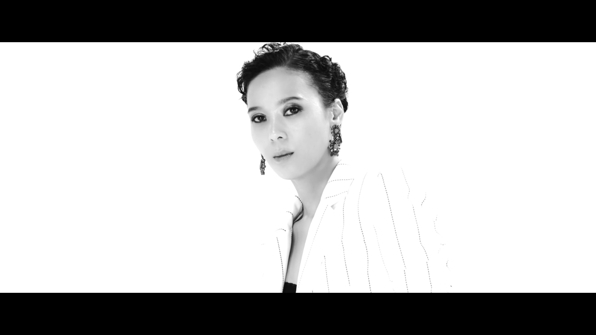 "Update: Yoon Mi Rae Releases ""Because of You"" With SM STATION"