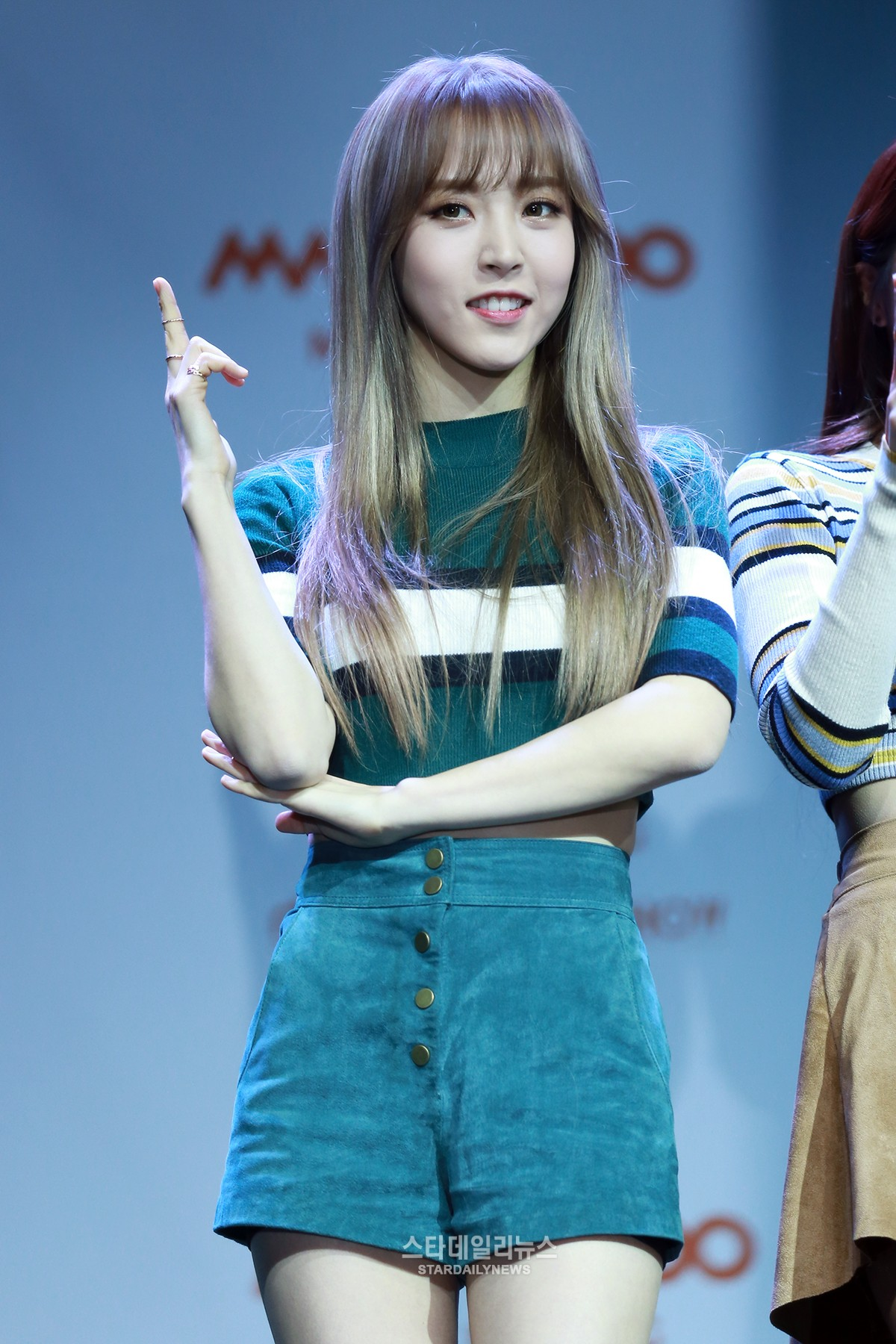 Mamamoo s moonbyul likes being the girl crush soompi