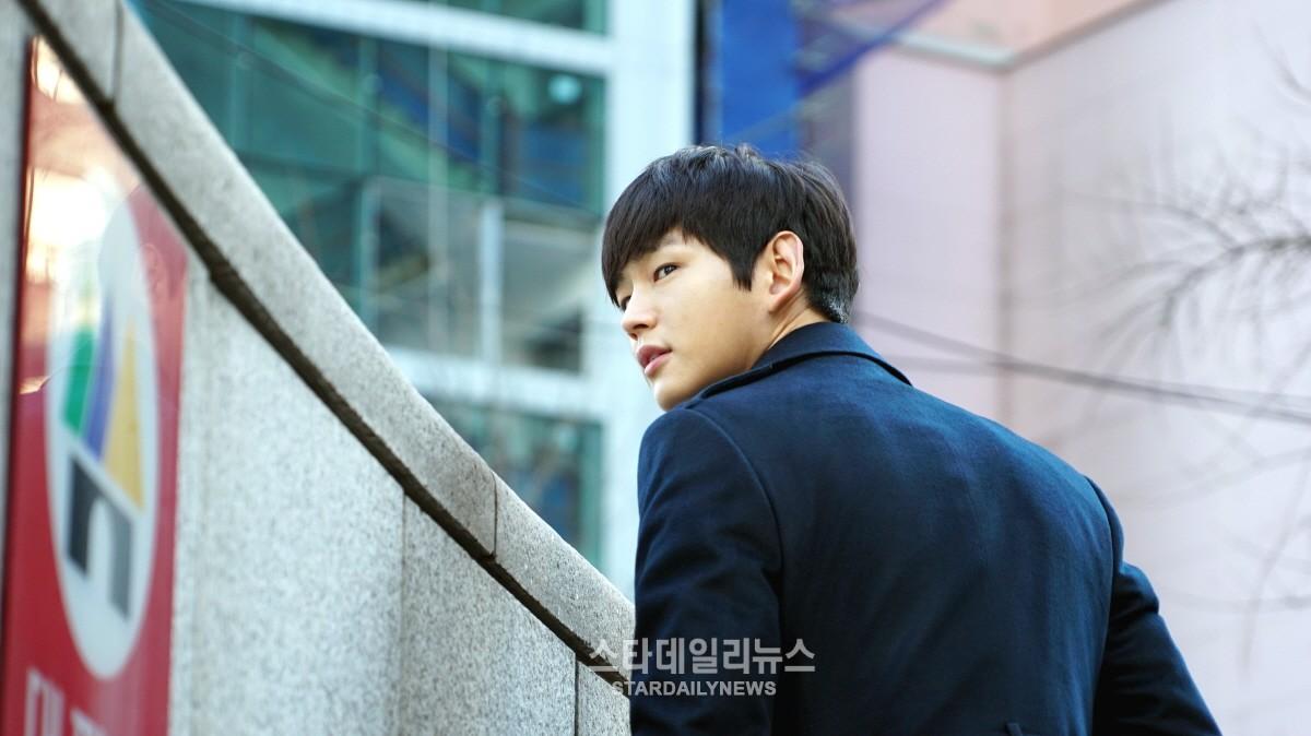 Lee Won Geun to Star in New Film With Ryoo Seung Bum