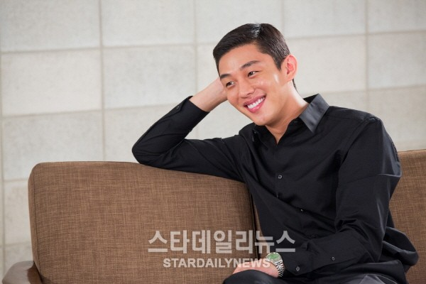 "Yoo Ah In to Cameo on ""Descendants of the Sun"""