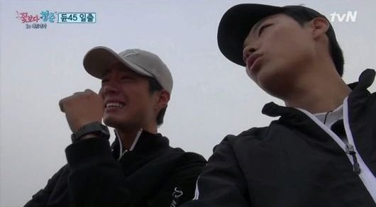 "Ryu Jun Yeol and Park Bo Gum Share a Tearful Conversation on ""Youth Over Flowers"""