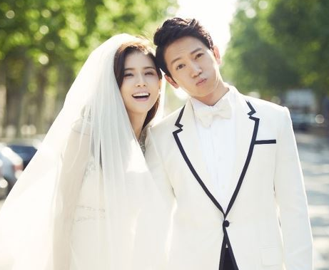 Lee Bo Young Gives a Special Present for Ji Sung's Birthday