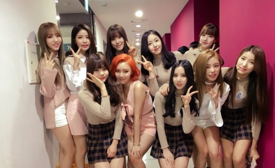 "MAMAMOO and GFRIEND Get Close Backstage at ""Music Core"""