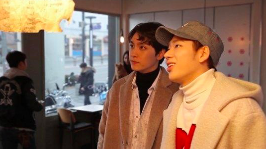 """New Stills for """"Celebrity Bromance"""" Build Excitement for Zico and Choi Tae Joon's Friendship"""
