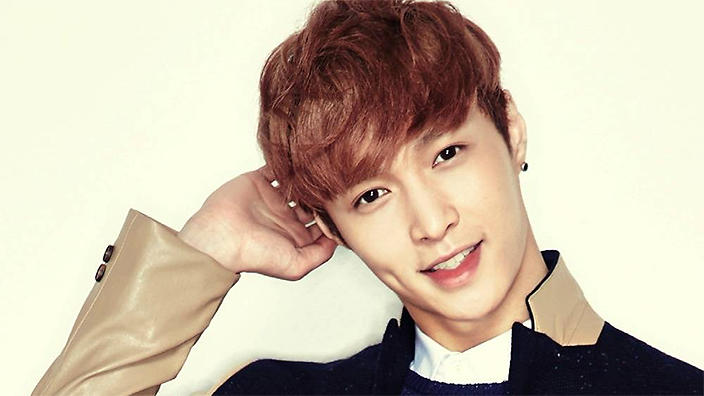 EXO's Lay Makes 10-Year Donation Pledge To Alma Mater