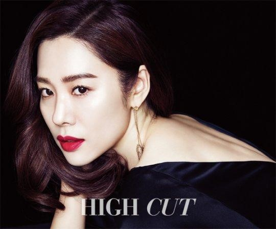 Kim Hyun Joo Channels Polar Opposite Personalities for High Cut