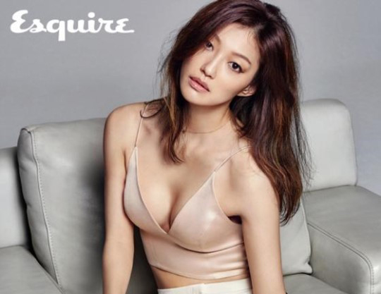 Rising Actress Lee El Receives the Spotlight in Esquire Pictorial
