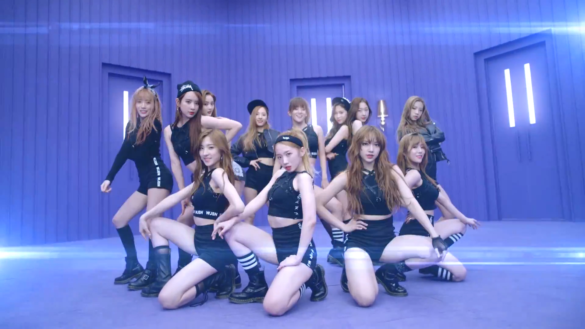 "Cosmic Girls Releases MV for ""Catch Me"""