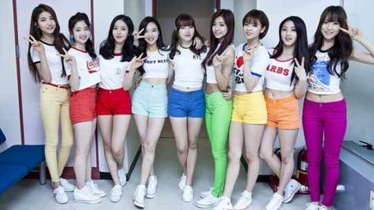 "GFRIEND and TWICE Transform Into Girls' Generation for Special ""Inkigayo"" Stage"
