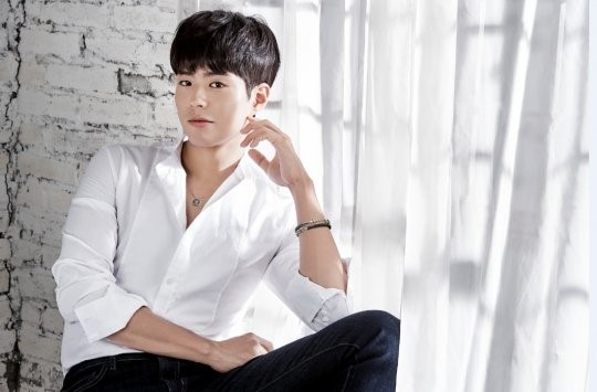 Park Bo Gum Pairs With Luxury Brand J.Estina in Jewelry-Themed Photo Shoot