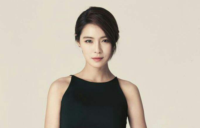 Kahi Celebrates Her Amazing Post-Pregnancy Body On Instagram