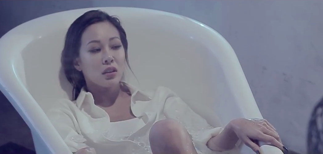 "Jessi Drops MV for Emotional Ballad ""Excessive Love"""