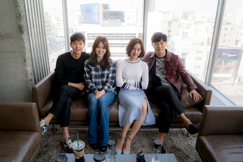 "Song Joong Ki Talks About the Level of Intensity of the Kiss Scene In ""Descendants of the Sun"""