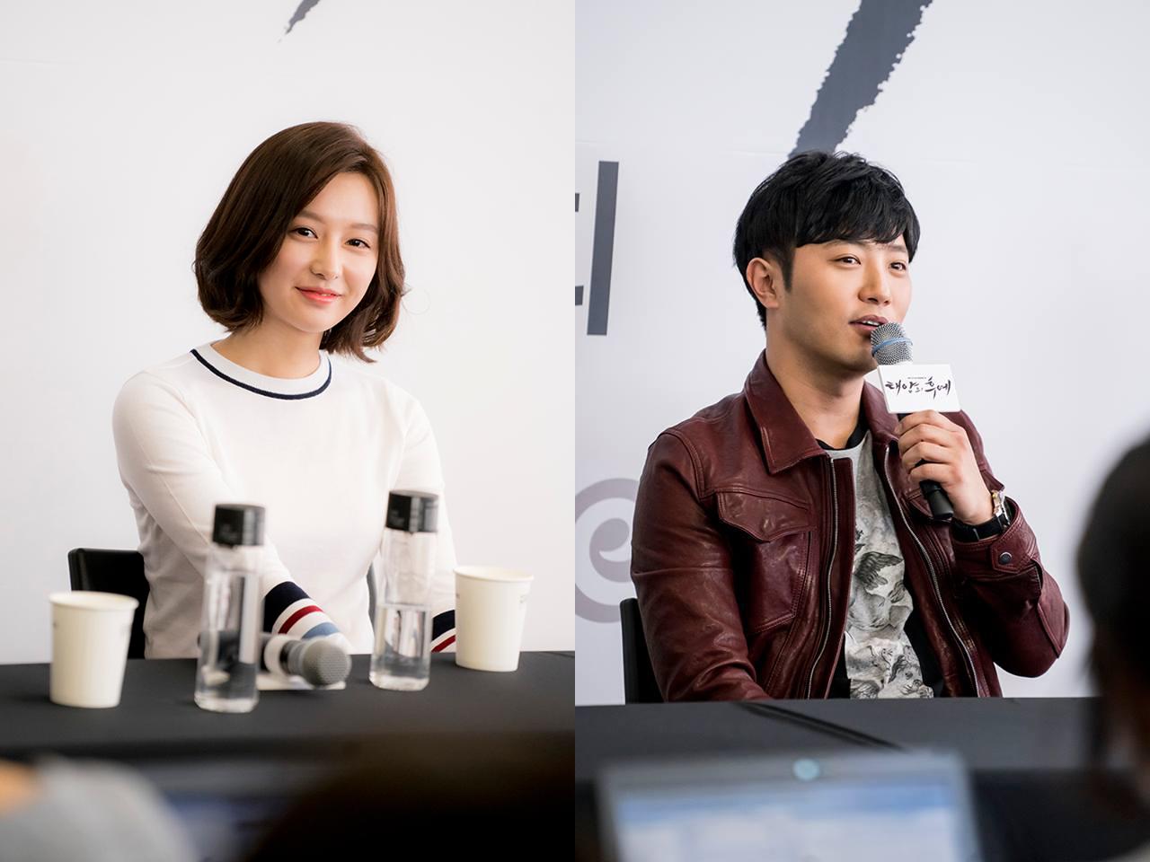 "Kim Ji Won Says She Felt Sexy Wearing a Military Uniform for ""Descendants of the Sun"""