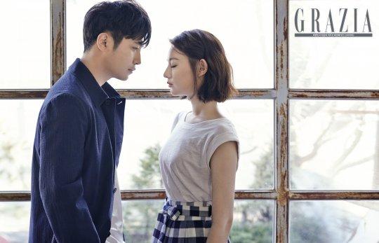 "Kim Ji Won and Jin Goo Discuss Their Acting in ""Descendants of the Sun"" With Grazia"