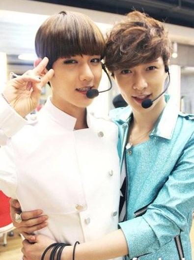 exos-baekhyun-and-lay