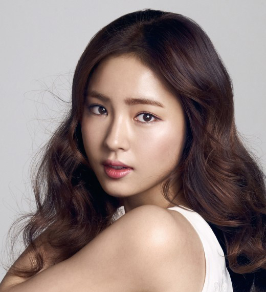 Shin Se Kyung Takes Strong Stance Against Rumors