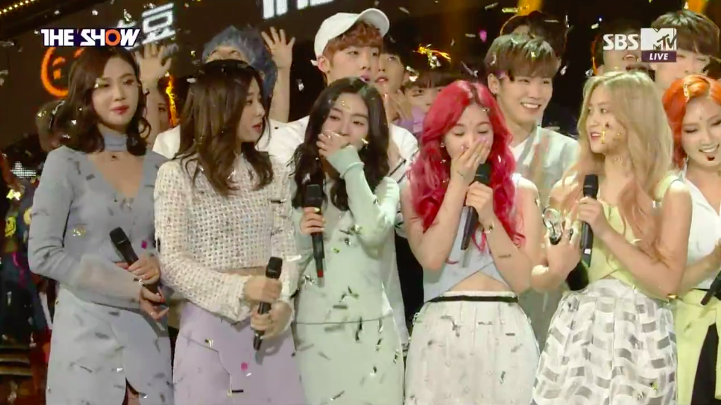 """Red Velvet Takes 1st Win for """"One of These Nights"""" on """"The Show"""""""