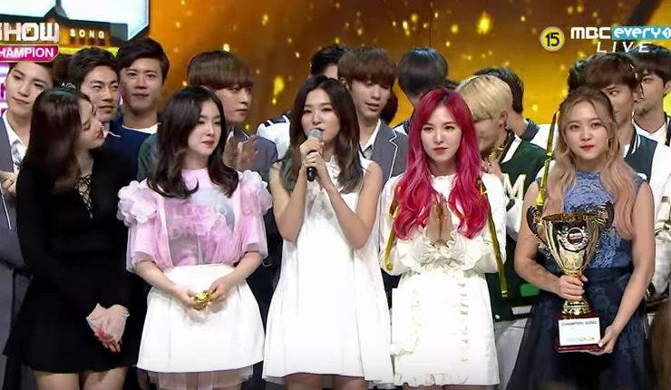 """Watch: Red Velvet Scores 2nd Win for """"One of These Nights"""" on """"Show Champion"""""""