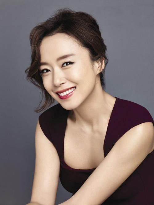 "Jeon Do Yeon Reportedly Paid Astronomical Amount for ""Good Wife"" Role"