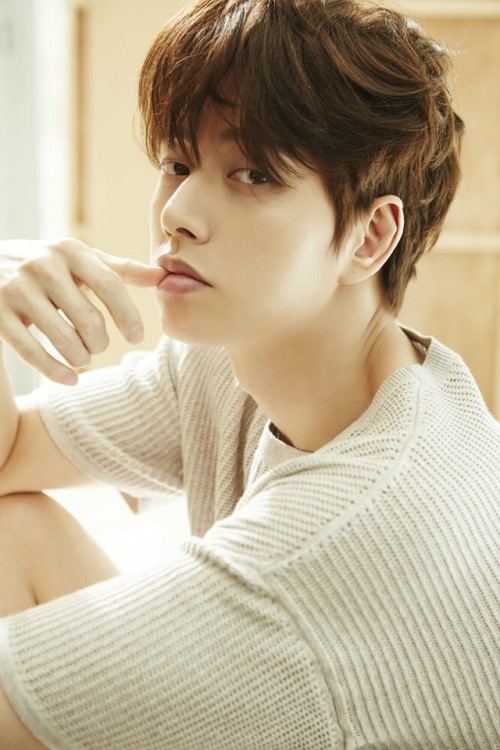 """Park Hae Jin to Star in """"Descendants of the Sun"""" Writer's Next Drama"""