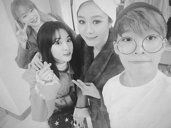 Sandara Park Fangirls Over Ok Joo Hyun With Akdong Musician