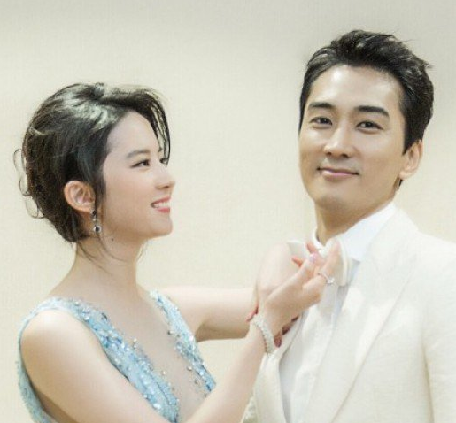 Song Seung Heon and Liu Yifei Swept Up in Breakup Rumors; Agency Responds