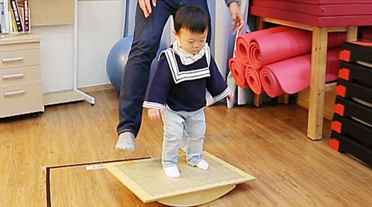 "Daebak Flaunts His Athletic Prowess on ""The Return of Superman"""