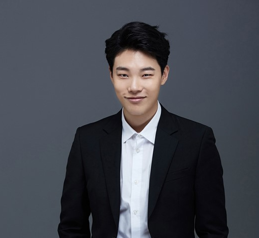 Ryu Jun Yeol's Fans Donate a Well in Cambodia in His Name