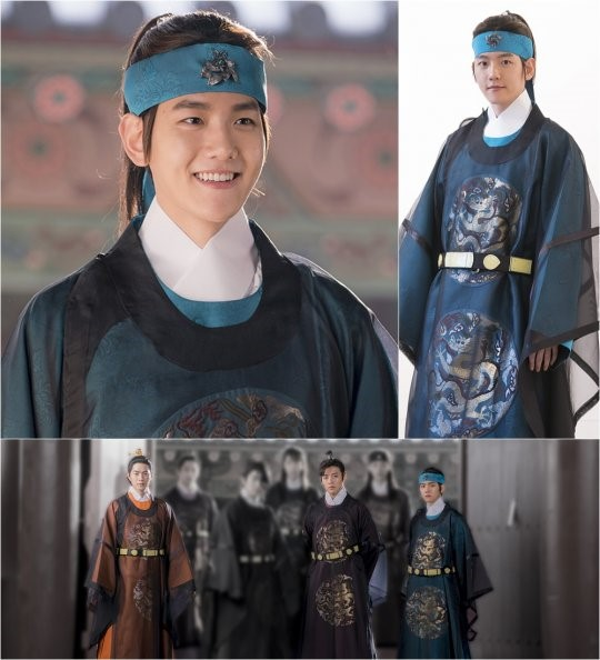"EXO's Baekhyun Transforms into an Imperial Prince in ""Scarlet Heart: Goryeo"" Stills"