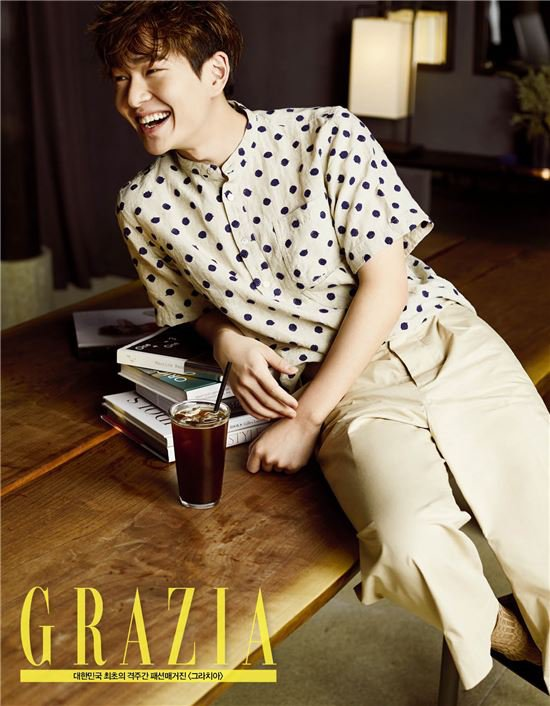 """Onew Shares How He Feels About """"Descendants of the Sun"""""""