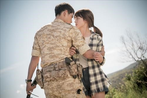 """Descendants of the Sun"" PD Talks About Possibility of Second Season"