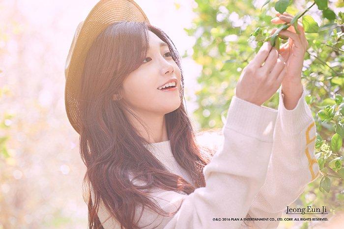 Hasil gambar untuk jeong eun ji hopefully sky