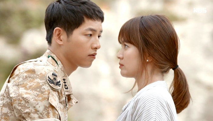 """""""Descendants of the Sun"""" Fan Imagines Happy Ending for """"Song-Song"""" Couple"""