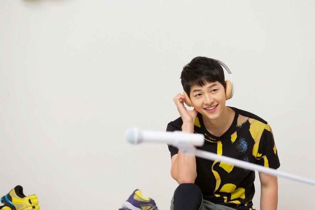 Watch: Song Joong Ki Saves Fan From Falling