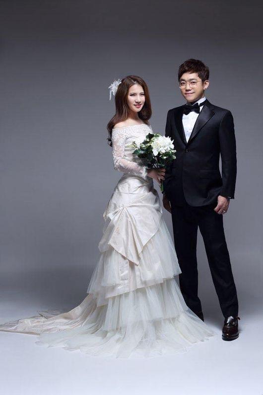 YG Family Gathers to Celebrate Song Baek Kyung's Wedding