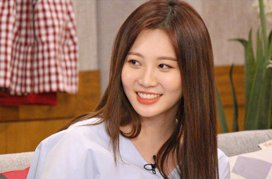 Girl's Day's Yura Picks the Top 3 Bodies Among Girl Groups