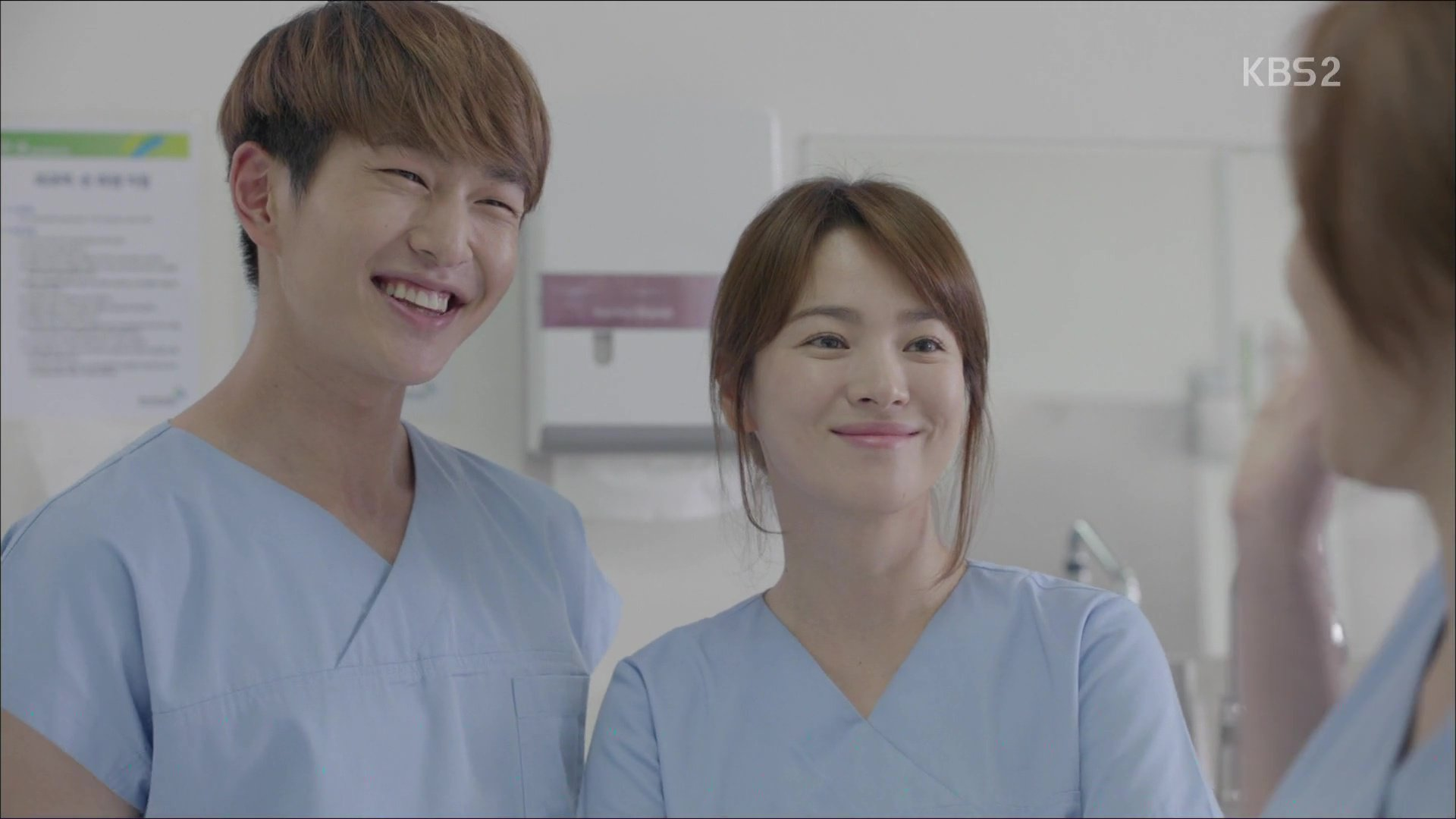 """Onew Comments on His Experience in """"Descendants of the Sun"""""""