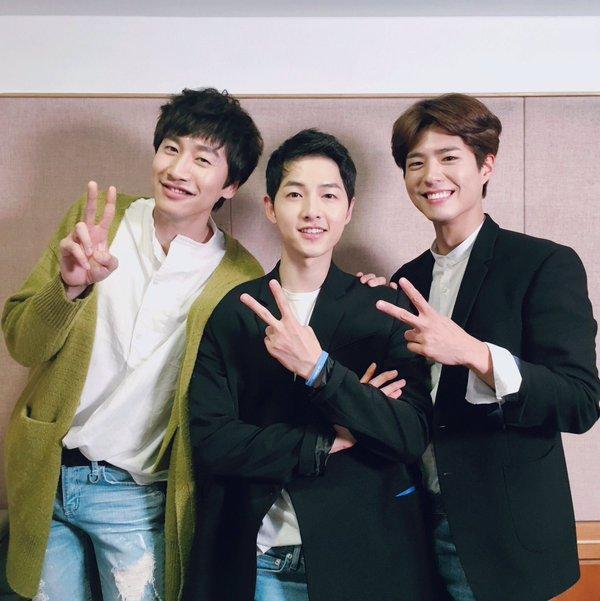 Park Bo Gum and Lee Kwang Soo Snap Shot With Song Joong Ki