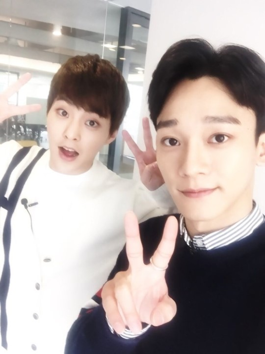 EXO's Xiumin and Chen to Star in New Online Travel Variety Show