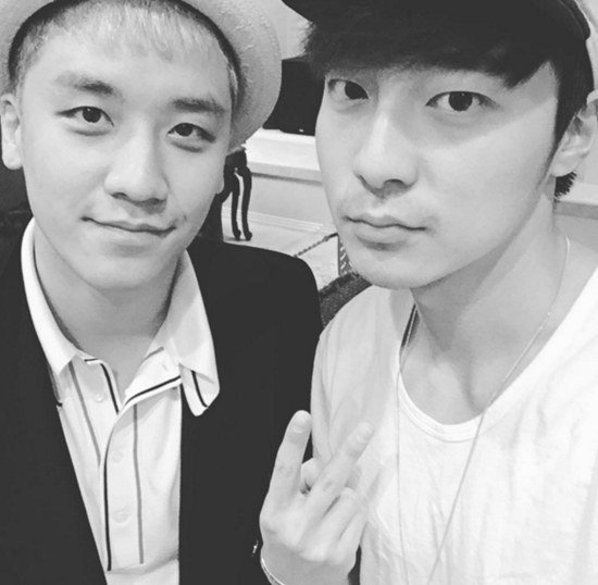 BIGBANG's Seungri and Roy Kim Show Their Brotherly Friendship