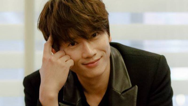"Why Didn't Ji Sung's Cameo in ""Descendants of the Sun"" Happen?"