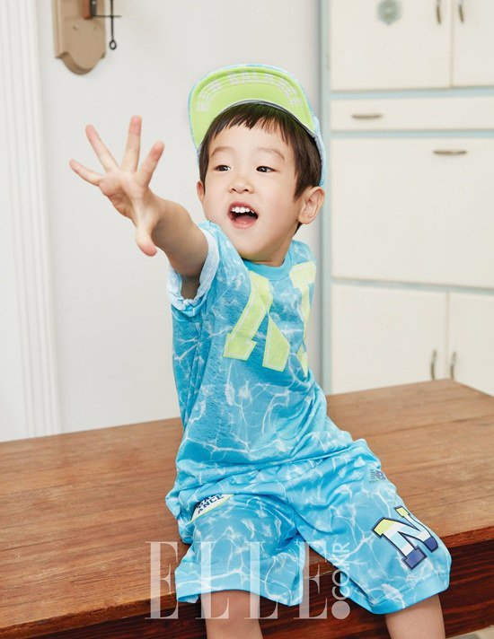Seo Eon and Seo Jun Are Ready for Summer in Elle Korea Pictorial
