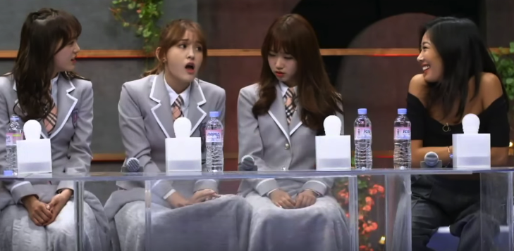 """Jessi Watches As I.O.I's Jeon Somi Impersonates Her On """"Sugar Man"""""""